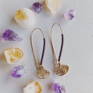NWT Handmade Lotus beaded delicate earrings